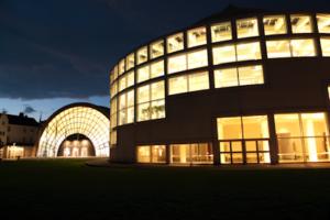 Die Ausstellungs- und Stadthalle in Bielefeld, ©2016 AMC media network GmbH & Co. KG