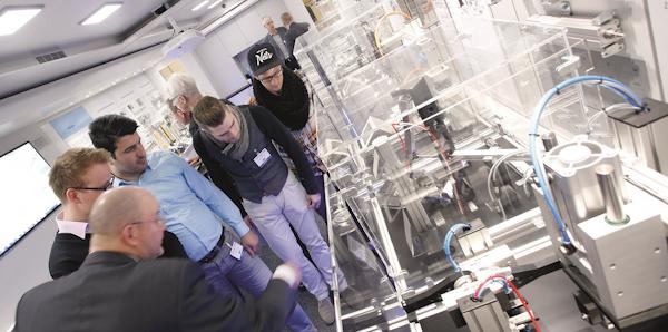 Maschinenbau in OWL als Magnet für Aussteller und Besucher – FMB 2017 ausgebucht