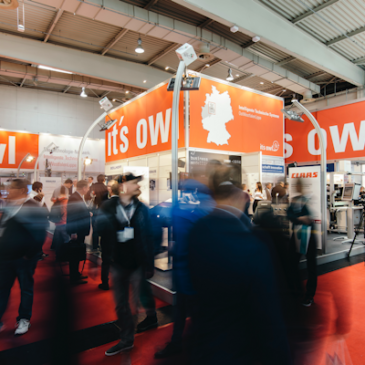 Titelbild: it's OWL-Stand auf der Hannover Messe 2018, © it's OWL Clustermanagement GmbH 2019