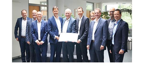 Unterzeichnung des Outsourcing-Vertrags am 17. Juli 2019 in Gütersloh, © Arvato Systems GmbH 2019